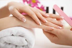 Manicura, cuidado de tus manos y uñas